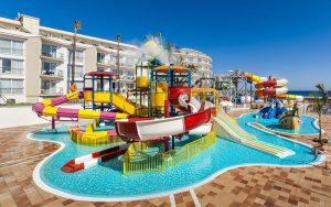 globales-playa-estepona-water-park-infantil